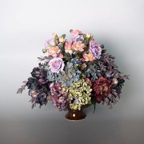 assorted-hydrangea-with-mauve-roses-in-a-brown-ceramic-urn-1
