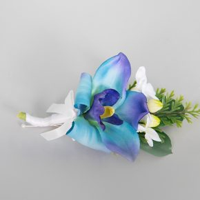 blue-flower-with-small-white-flower-boutonniere-1