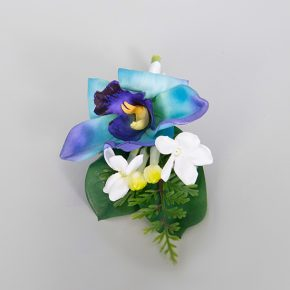 blue-flower-with-small-white-flower-boutonniere-2