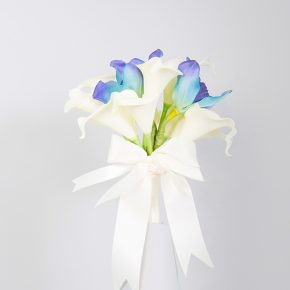 white-and-blue-tulips-with-white-ribbons-bouquet-1